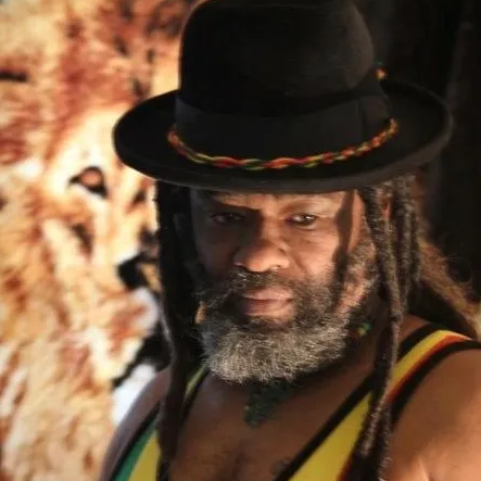 Rising up USA reggae star 'Madi Simmons' is back with 'I'm gonna love you till the end of time'